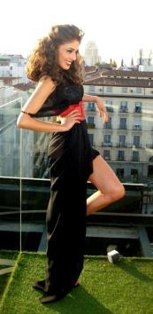 La actriz paraguaya Cristina Arana para un revista de Latinoamérica