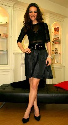 La actriz Vicky Luengo luce DURÉ COUTURE para programa de TV